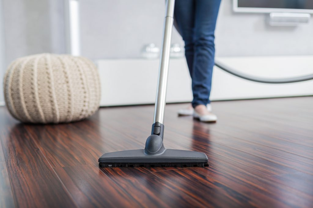 Limpiar suelo de madera