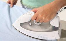 Cómo limpiar la suciedad acumulada en la plancha