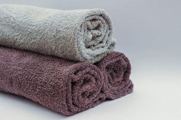 toallas de baño como elemento decorativo