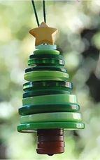 Adorno de navidad con botones