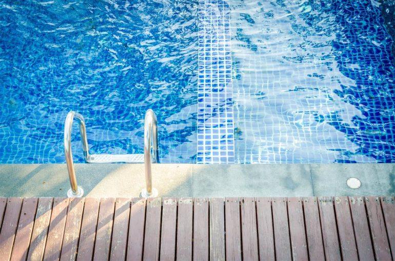 ahorrar en el mantenimiento de la piscina comunitaria