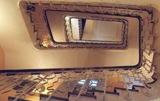 Cómo decorar vuestra escalera de vecinos