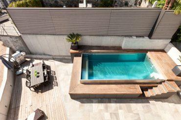 Instalación de piscina para el jardín