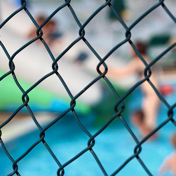 valla de piscina de malla
