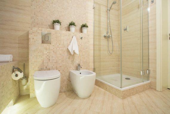 Cambiar el suelo del baño o la cocina