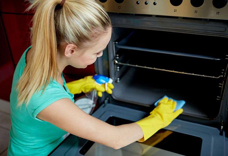 Tu horno limpio con productos caseros