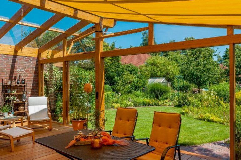 Cómo montar una pérgola con toldo en tu jardín | HOMEPPY
