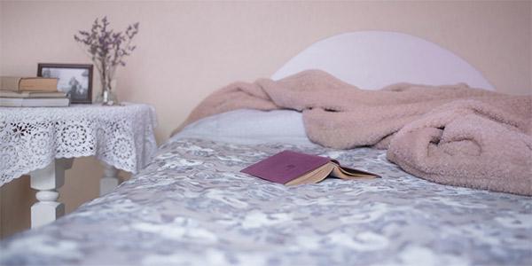 mesilla de noche para habitación